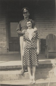 1945 Mar Apr Ray Dorothy Beach Pascagoula steps